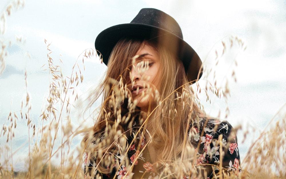 Pielęgnacja włosów przed zimą – Jak zadbać o włosy na jesień?