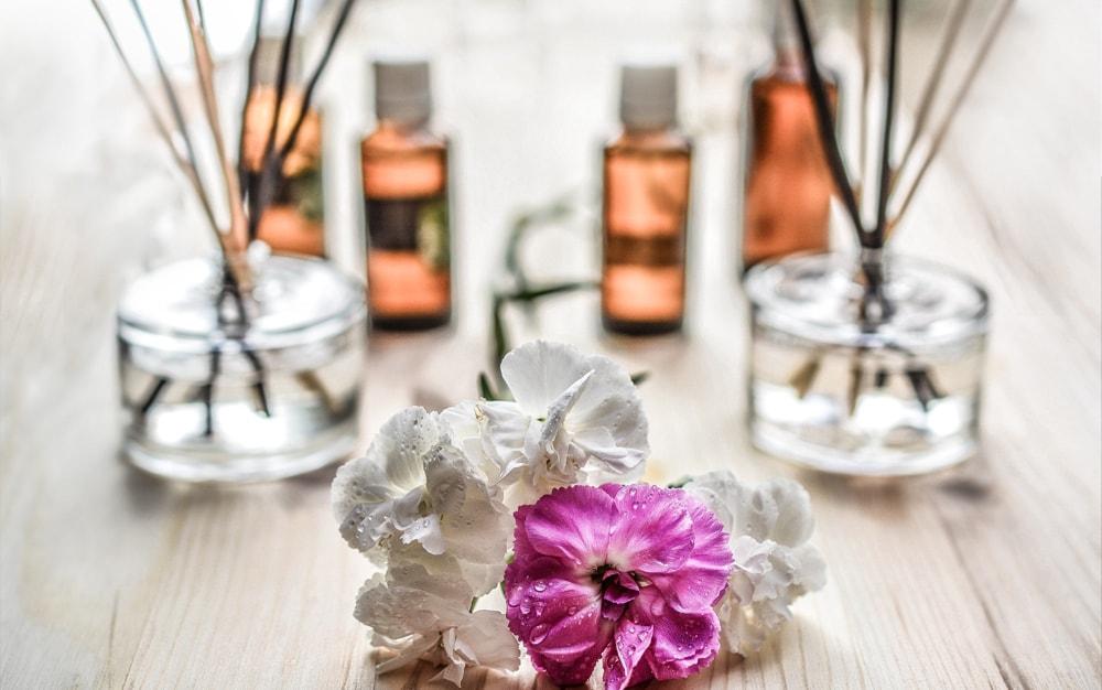 Top 10 naturalnych kosmetyków do pielęgnacji cery trądzikowej
